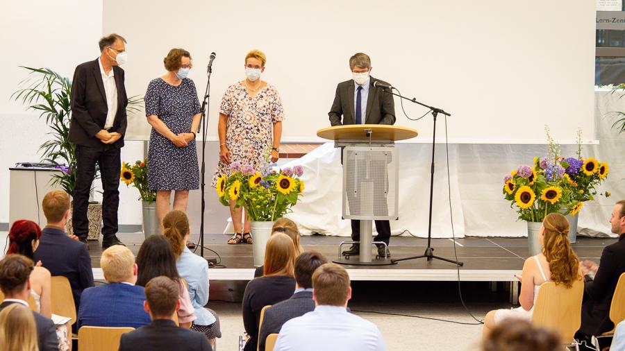 IGS Stade Abitur Entlassung 2021 019