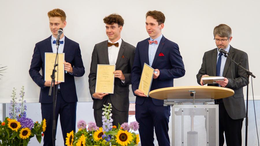 IGS Stade Abitur Entlassung 2021 024